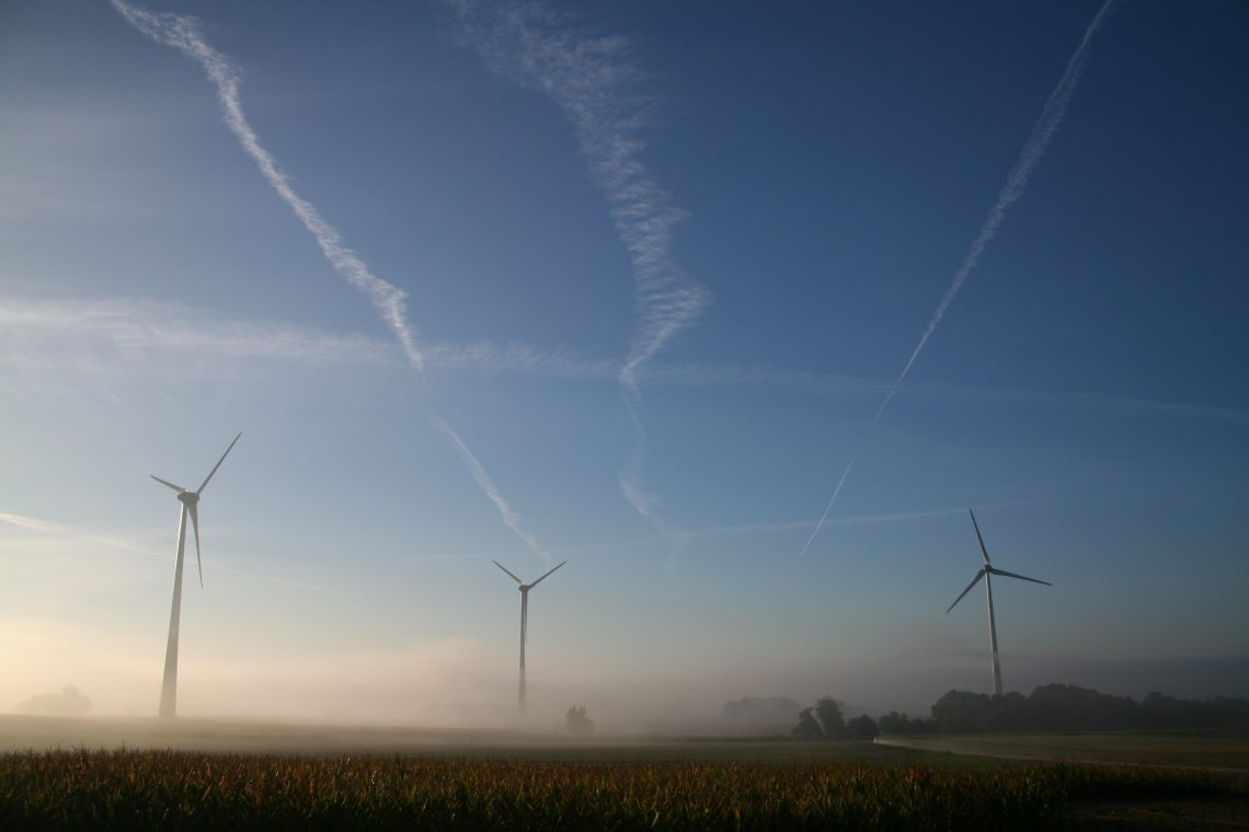 Taupont, Saint-Malo-les-Trois-Fontaines (56)  Nom du Parc : Beau soleil  5 éoliennes de 2000 kW, mât béton de 98m, diamètre du rotor 82m.  Beau soleil (56)  Mise en service 2010